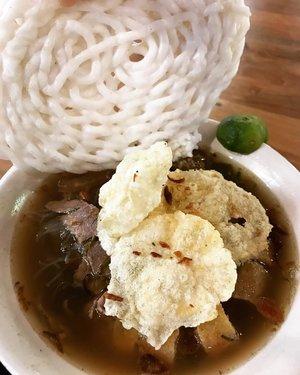Soto Bogor Pak Kadir 🍲 best for rainy season ❤️🐧 #sotobogor #sotodaging #soto #cullinary #foodie #foodism #foodgasm #foodporn #foodphotography #yummy #nomnom #bogor #indonesianfood #clozetteid