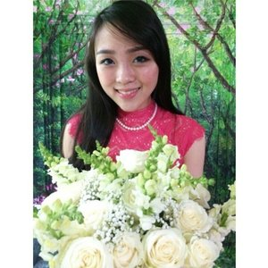 Hello... i bring fresh flower for you ^^, #me #asiangirls #asianmakeup #selfie #selfportrait #selfpicture #nofilter #longhair #bangs #pink #flower #flowerbouquet #whiteroses #rose #femaledaily #fdbeauty #clozetteco #clozetters #clozetteid #clozette #clozetteambassador #instadaily #instastyle #instagram #pictureoftheday #chubbycheeks
