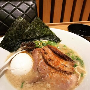 ramen noodle during the cold and rainy sunday with my panda bear 🐼🐼❤️ #ippudo #ramen #ramennoodles #dinner #clozette #clozetteid #food #foodie #japaneseramen