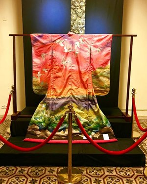 Last August-September, Museum Tekstil exhibited Asian traditional outfit... these outfit from Japan and Korea attract me the most ❤️ and also traditional 'Kain' from Indonesia (fabric made by indonesian weaver). #museumtekstil #museum #kimono #hanbok #jakarta #indonesia #visitindonesia #museumjakarta #instagram #instagood #instamood #instadaily #clozetteid