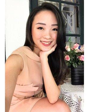 A little throwback of my @femaledailynetwork  jakartaxbeauty2019 makeup, featuring @blpbeauty sunset n sunrise on my eyelids (yes i often use their face pallette as eyeshadow too!) and cheeks, fleur by @lavielash on my lashes, and @esqacosmetics crayon lipstick shade jolina on my lips.. 🐧❤️ #makeup #makeuptutorial #makeupartist #makeuplooks #makeupideas #makeupkorea #makeuplife #makeupoftheday #beautyblogger #indonesianbeautyblogger #femaledaily #fdbeauty #blpgirls #jakartaxbeauty2019 #clozetteambassador #clozetteid #sunday #happysunday