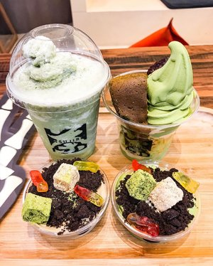 Can't stop having them... can you believe? Both the matcha milk drink and matcha ice cream are mine 😂😂😂 my all time favorite @tsujiri_id #matcha #matchalatte #matchaholic #matchaicecream #desserts #desserttime #desserttable #dessert #sweet #icecream #icecreamlover #icecreamtime #tsujiri #tsujiriindonesia #tsujiriid #clozetteid #instagram #delicious #instadessert