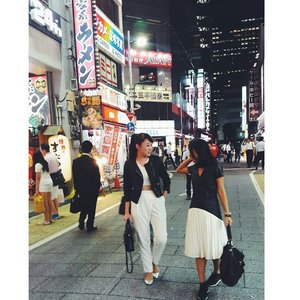 I love Shinjuku at night.... #styleblog #styles #style #streetstyle #instaplace #shinjukugyoen #shinjuku #shinjukustation #shinjukuhairmake #streetstyle #japan #japanesegirl #Monochrome #blackandwhite #clozetteambassador #clozetteid #lookbookbkk #lookbook #ootd #outfitoftheday #femaledaily #fdbeauty #ootdindo