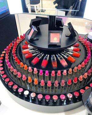 My happy place ❤️ #lipstickoftheday #lipstick #colorful #color #lancome #rouge #lancomelabsolurouge  #lancomelabsolu #clozetteid #makeupaddict #makeup #makeuplover #lipstick #clozetteid