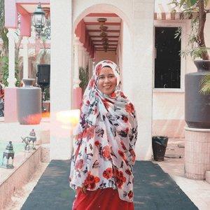 365 of 365 page. I'm ready to close this book and start a new one..Tahun 2019 sangat penuh warna.  Banyak tawa, banyak tangis..#welcome2020 #thankyou2019 #clozetteid #2019bestnine #catatanbundakenai #hijaberindonesia #ootd #40isthenew20 #happyme #hijabmodernstyle #newyear