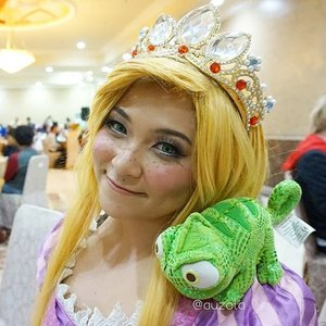 👑 I was Rapunzel on valentines day! Hehe went to Royal Kingdom event at Amos Cozy Hotel and it was fun! More photos and video soon 😘😘😘 P.s tiara made by me, i'll post tutorial on my blog when i get the chance 😆  #disney #disneycosplay #disneyprincess #clozetteid #fotdibb #cosplay #princesscosplay #princess #rapunzel #rapunzelhair #goldenhair #flowergleamandglow #tangled #indonesia #jakarta #ihaveadream #cosplayindonesia #disneyindonesia #royalkingdom #cosplayerindonesia #disneyindo #cosplaycouple #pascal #chameleon #flynnrider #eugenefitzherbert #rapunzelcrown #crown #rapunzelcosplay #rapunzelmakeup
