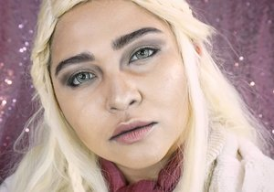 """""""I am not your little princess. I am Daenerys Stormborn of the blood of old Valyria and I will take what is mine, with fire and blood I will take it"""" – Daenerys Targaryen . . . . #got #gameofthrones #daenerys #daenerystargaryen #motherofdragons #khaleesi #wakeupandmakeup  #makeupforbarbies @makeupforbarbies #indonesianbeautyblogger @indobeautyblogger #dressyourface #hudabeauty #undiscovered_muas @undiscovered_muas #bloggerceria @bloggerceriaid #bloggermafia #clozetteid #fdbeauty #indobeautysquad @indobeautysquad @tampilcantik #tampilcantik #mua_army"""