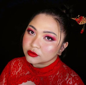 CNY makeup for this year!  . CNY pada rencana ke mana aja nih guys? Kalau bisa di rumah aja ya dan stay safe krn corona masih gitu2 aja cyn🙃 . Btw ini makeupnya baruuu bgt dibikin, belom dihapus malah😂😂 . . . .  #makeupforbarbies #cny #cny2021 #redlipstick #cnymood #indonesianbeautyblogger #undiscovered_muas #fdbeauty #cchannelbeautyid @undiscovered_muas #clozetteid #makeupcreators #slave2beauty #coolmakeup #makeupvines #tampilcantik #boldmakeup #100daysofmakeup