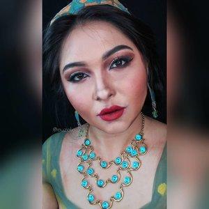 One more of Jasmine makeup transformation 🌟✨ . Ini fotonya pakai camera hp, tapi lebih nangkep warnanya wkwk, soalnya settingan dan placement lighting di kamar lagi makin ga bener krn limited space (didominasi Isa 😅) . . . . #aladdin #aladdinmovie #jasmine #princessjasmine #naomiscott #disney #makeuptransformation @naomigscott @disneyaladdin #disneyprincess #alysontabbitha #wakeupandmakeup #makeupforbarbies @makeupforbarbies #indonesianbeautyblogger @indobeautyblogger #arabian #undiscovered_muas @undiscovered_muas #bloggerceria @bloggerceriaid #bloggermafia #clozetteid #fdbeauty #indobeautysquad @maccosmetics @indobeautysquad @tampilcantik #tampilcantik #mua_army @mehronmakeup #tasyashoutoutfarasya #fantasymakeupworld @lakmemakeup #100daysofmakeup #beautybloggerindonesia @beautyblogger_indonesia #aladdinid #disneyliveaction