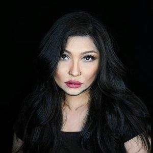 Sometimes people sell lifestyle they don't even have on social media 🤷🏻 . Kecuali lo Kylie, she has it all, jadi sah aja, lol. . E tapi gapapa juga sik. Suka2 selama ga ganggu orang 👌 . . . . #kyliejenner #kylie #kyliecosmetics #jenner #kardashian #wakeupandmakeup #makeupforbarbies  #indonesianbeautyblogger #undiscovered_muas @promisetamang @undiscovered_muas #clozetteid #makeupcreators #slave2beauty #coolmakeup #make.up.vines  #indobeautysquad #indobeautygram #fdbeauty #tampilcantik #mua_army #fantasymakeupworld #100daysofmakeup
