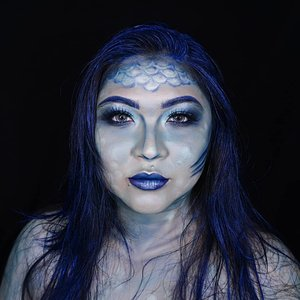 BLUE . Inspired by sirens on their mermaid form 🐚🌊🎶 . . . . #auzolamakeupcharacter #dirumahaja #stayhome #wakeupandmakeup #blue #mermaidmakeup #mermaid #siren #sirens #makeupforbarbies  #indonesianbeautyblogger #undiscovered_muas @undiscovered_muas #clozetteid #makeupcreators #slave2beauty #coolmakeup #makeupvines #tampilcantik #mua_army #fantasymakeupworld #100daysofmatkeup