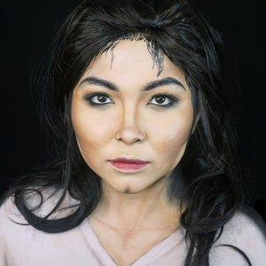 #auzolamakeupcharacter Hahahaha fail. But here goes, can you guess? . Bikinnya buru-buru banget krn hampir kelewat ashar lol. Plus sembari digangguin isa (makanya jaraangg bgt makeup sblm isa bobo malem). Yha at least udah nyoba lah😂 . . . . #dirumahaja #stayhome #wakeupandmakeup #michaeljackson #mj #smoothcriminal #makeupforbarbies  #indonesianbeautyblogger #undiscovered_muas @undiscovered_muas #clozetteid #makeupcreators #slave2beauty #coolmakeup #makeupvines #tampilcantik #mua_army #fantasymakeupworld #100daysofmakeup