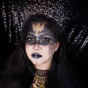 Throwback to my dark fairy makeup, inspired by @zorinblitzz 😍😍😍 . Ini pas udah kelar makeup & fotonya, lagi copot2 prop😂 . . . . #makeupforbarbies  #indonesianbeautyblogger #undiscovered_muas @undiscovered_muas #clozetteid #makeupcreators #slave2beauty #coolmakeup #makeupvines #tampilcantik #mua_army #fantasymakeupworld #100daysofmakeup #beautefemmecommunity #gothic #gothicgirl #fairymakeup #darkfairy #darkfairymakeup #dark #fairy #crazymakeup #gothicmakeup #halloweencolor @halloweencolor