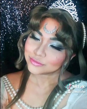 #auzolamakeupcharacter #auzolatutorial Sailor moon Queen Serenity makeup tutorial in video 😁 . . . . #sailormooncosplay #queenserenity #neoqueenserenity #wakeupandmakeup #sailormoon #makeupforbarbies  #indonesianbeautyblogger #undiscovered_muas @undiscovered_muas #clozetteid #makeupcreators #slave2beauty #coolmakeup #makeupvines #tampilcantik #mua_army #fantasymakeupworld #100daysofmakeup