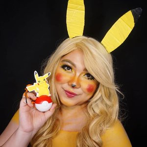 Pikachu! I'll post the tutorial soon! ❤ . Anyway, back in the day I did a cosplay as Pikachu and Ichi as Ash 😂 swipe! . . . . #auzolamakeupcharacter #dirumahaja #stayhome #wakeupandmakeup #yellow #pikachu #pokemon #pikachumakeup #makeupforbarbies  #indonesianbeautyblogger #undiscovered_muas #viral @undiscovered_muas #clozetteid #makeupcreators #slave2beauty #coolmakeup #makeupvines #tampilcantik #mua_army #fantasymakeupworld #100daysofmakeup