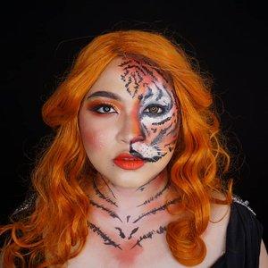 Throwback makeup jadi meong hutan 🐯 . Tutorialnya bisa cek di #auzolatutorial yaa❤🐯 . . . . #auzolamakeupcharacter #tiger #tigermakeup #harimau #makeupforbarbies  #indonesianbeautyblogger #undiscovered_muas @undiscovered_muas #clozetteid #makeupcreators #slave2beauty #coolmakeup #makeupvines #tampilcantik #mua_army #fantasymakeupworld #100daysofmakeup#crazymakeup #gothicmakeup #halloweencolor @halloweencolor