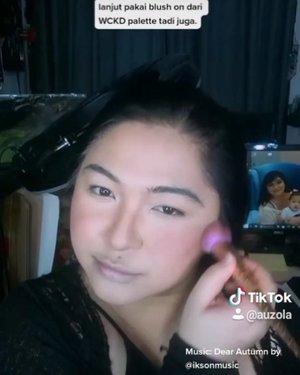 Makeup buru-buru kalau lagi ga punya waktu. Simpel aja ga pakai eyemakeup, yg penting seger dan ga kaya mayat idup 😂 . Kalau kalian yang paling ga boleh ketinggalan kalau lagi makeup apaa? . . . . #auzolatutorial #tiktokmakeup #tiktok #tiktokindonesia #makeuptutorial #wakeupandmakeup #Beautiesquad #makeupforbarbies #indonesianbeautyblogger #undiscovered_muas @undiscovered_muas #clozetteid #makeupcreators #slave2beauty #coolmakeup #makeupvines #tampilcantik #mua_army #fantasymakeupworld #100daysofmakeup