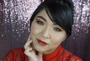 Better late than never. Akhirnya video tutorial Red and Gold Cut Crease CNY Makeup Tutorial finally kelar dan sudah tayang di youtube ku! . Langsung aja ke youtube.com/cutauzolaazalia atau click link di bio ☀ . Yuk di tonton, like, komen, subscribe, biar aku makin senang dan makin semangat update huahahaha ❤ . . . . #makeup #wakeupandmakeup #cnymakeup #cny #cny2019 #red #gold #asian #makeupforbarbies #beautyblogger #beautybloggerindonesia #dressyourface #hudabeauty #undiscovered_muas #blogger #influencer #bloggerceria #bloggermafia #clozetteid #fdbeauty #beauty #beautybloggerindonesia #tampilcantik #beautyjunkie #makeupgeek #beautychannelid