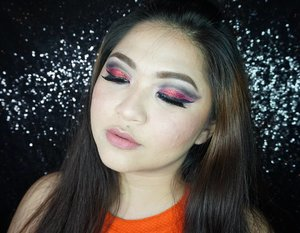 Like i told you, the eye makeup is such a mess, especially when the glitter malfunction and got into my eyes 😅😅 . I will try to make a new one if i have time and maybe share the tutorial as well 😄 . 🌟Product used🌟 🌟Face: @benefitindonesia Porefessional, @katvondbeauty Lock It Foundation, @annasuicosmetics Liquid Foundation, @eminacosmetics Bare With Me Mineral Loose Powder, @toofaced Chocolate Soleil, @mizzucosmetics Blush Me Up, @thebalmcosmetics Mary-Lou Manizer, @bioderma_indonesia Hydrabio Brume . 🌟Eyebrow: @benefitindonesia Ka-Brow Cream Gel Brow, Daiso Eyebrow Gel . . 🌟Eyes: @sugarpill Love+, @thebalmcosmetics Nude Tude, @mizzucosmetics Chrome Gel Eyeliner Black, @katvond Tattoo Liner, @silverswanlash in Aponi . 🌟Lips: @mizzucosmetics Valipcious So Like It . . . #vegas_nay #wakeupandmakeup #anastasiabeverlyhills #hudabeauty #influencer #beautyinfluencer #SephoraIDNBeautyInfluencer #pinkperception #dressyourface #valentinemakeup #auroramakeup #clozetteid #blogger #collaboration #bloggerceriaid #red #cutcrease #valentine #valentines #20likes #hters #indonesianbeautyblogger #undiscovered_muas #indobeautygram