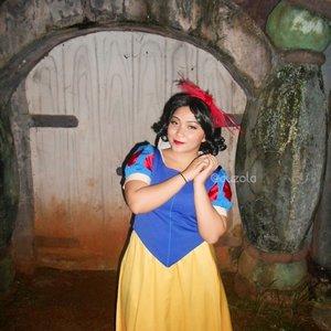 Snow white 👄 #throwback #snowwhite #snowwhiteandthesevendwarfs #cosplay #costume #cosplayer #disney #disneycosplay #disneyprincess #clozetteid #cosplay #princesscosplay #princess #random #throwback
