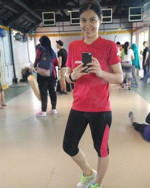 Post workout this morning . .. ... #ClozetteID #wiwt #whatidotoday #widt #ootd #MBC #BloggerBabesID #BloggerBabes #lifestyleinfluencer #healthylifestyle #jangankasihkendor