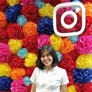 May Day! . .. ... #ClozetteID #ShamelessSelfie #selfie #worktakesmeplaces #instagram #bareface #nudeattitude #herlabel