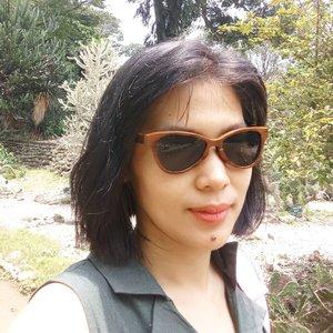 Ini dia sunglasses yang frame-nya terbuat dari kayu produksi @eastwoodltd . Untuk lihat model ya, cuss ke @eastwoodcataloque. Mau langsung beli? Meluncur ke @bliblidotcom ya! .. ... #ClozetteID #eastwood #woodeneyewear #sunglasses #style #FunwithBlibli #Bliblisekarang #localproduct #instadaily #instagood #shamelessselfie #selfie
