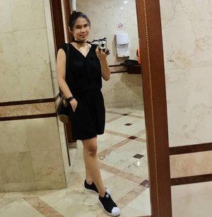 #OOTD . 📷 Nikon J5 ⌚ Garmin Vivofit 👗 Jumpsuit by Cloth Inc 👜 Esprit 👟 /// Slip On .. ... #amin #anakgarmin #vivofit #threestripes #ClozetteID #3stripes #whilein between #monochrome #black #shamelessselfie