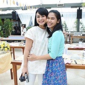 Highlight of the day 💗 . Akhirnya setelah hampir setahun temu lagi kita @alodita, senang! .. 📷 Nikon J5 ... #ResepMudahMeriah #ClozetteID #wiwt #Meetup #ootd #whatiweartoday #outfitoftheday #nikonindonesia #nikonj5 #wefie #blessed