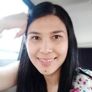 #selfieofthedayOn face:@hadalaboid Gokujyun Milk@vovmakeupid Maxmini Primer@indonesia_etudehouse Drawing Eye Brow #03@kimasako_official Eyeshadow Palette Golden Maroki@esteelauder blush onPonds BB Magic Powder@vaselineid Repairing Jelly@zap_beauty Lip Matte Peach......#ClozetteID#shamelessselfie#sotd#ILoveVaseline#HealYourWorld#hadalaboid#maxmini#kimasako#EsteeStories#zapbeauty#asbeautifulasyou