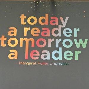 Udah baca apa hari ini? Koran cetak,  artikel online?  Buku cetak? Buku online? Komik? Majalah? Apa pun bentuknya, buat aktivitas membaca jadi menyenangkan ya 😊......#ClozetteID#instaquote#instagood#reader#onthewall #moodygrams#whileinbetween#baca#quotes