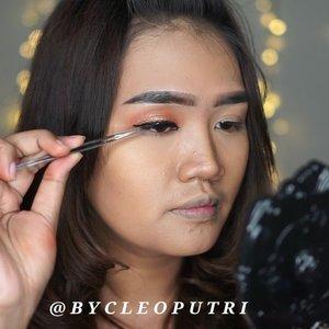 "💖 Orange Makeup Tutorial 💖 Disini aku pake Lipstick untuk Eyeshadow, Blush On dan Lipsticknya ^^ Makeup Deets : 💙 Foundation : @bobbibrownid Long Wear Finish ""Honey"" 💙 Powder : @makeoverid TWC 💙 Eyebrow : @bobbibrownid Brow Gel ""Rich Mahogany"" 💙 Eyeshadow,Blush On, Lipstick : @blpbeauty Lip Coat ""Pumpkin Sorbet"" 💙 Eyeliner : @blpbeauty . . .  #clozetteid #clozettedaily #review #beautyjunkie #beautyjunkies #instamakeupartist #makeupporn #makeuppower #beautyaddict #makeuptutorial #x2softlens #makeupjunkie #soflensmurah #tampilcantik #wakeupandmakeup #indobeautysquad #tampilcantik #indobeautygram #love #beautyblogger #makeup #makeupartist #makeupgeek #makeuptutorial  #eyetutorial #fotd #faceoftheday #undiscovered_mua #underratedmuas @indobeautysquad @tampilcantik @kbbvbyacb"