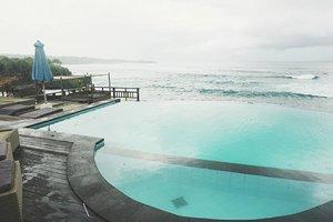 Swim baby swim.. 😍  #clozetteid #clozettedaily #starclozetter #starclozette #love #bali #nusalembongan #rainbow #indonesia #visitindonesia #indonesiakaya #sea #ocean #aroundtheworld #balinese #JParoundtheworld