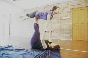 It's fun doin' acroyoga!  @unionyoga  #clozetteidxunionyogareview #acroyoga #love #yoga #unionyoga #clozettedaily #clozetteid