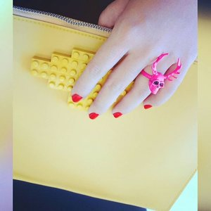 Colorful Saturday ❤💙💚💛💜💖 yellow toys block bag by @mannequinplastic / pink deer skull ring by @salestockindonesia / #nailpolish by #OPI 😍 #ootd #accessories #accessoriesoftheday #bagoftheday #notd #nailswag #SaleStock #salestockindonesia #mannequinplastic #legobag #bags #skull #ring #saturday #colorful #カワイイ #ファッション #スタイル #袋 #リング #爪 #カラフル  #clozetteid #weekendstyle #fashionista #MissEhara 👸