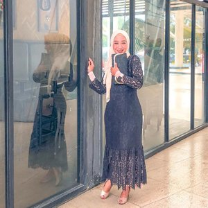 YA YA YA...⠀⠀Setiap orang punya cara masing-masing untuk mencapai tujuannya. Tapiii jangan sampai terkesan carmuk banget yaa 🤭⠀⠀#clozetteid #ootdnyabundawian #styleofbundawian #hijabootdindo #hijabfashion #momlife #momblogger #lifestyleblogger