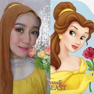 ANGGAPLAH MIRIP⠀⠀Hahahaha... anggaplah kami mirip ya gengs 🤣🤭 Karena ternyata make up cantik tuh lebih ribet dan lama dibanding make up face painting⠀⠀Kali ini #wianmainbrush terinspirasi dari Princess Belle. Aku bikin (ceritanya) setangkai mawar di alis.⠀⠀Btw, ngingetin nih hari senin semua udah mulai normal. Ngantor lagiiii 😢⠀⠀#clozetteid #makeupenthusiast #princessbellemakeup #belajarmakeup