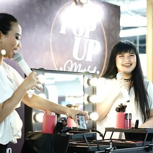 #throwback from my beauty class with @mukka_kosmetik last week  And also my last event with longer hair 💇 . . . . #candid #lynebeauty #wonderfullyn #life #clozetteid #makeupjunkie #beautyinfluencers #makeupdemo #makeupclass #beautyblogger #happyface