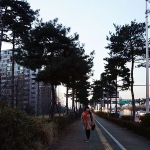 God has His own plan for everything that happen in your life . . . . . #jamsil #throwback #koreatrip #gyeongbokgungpalace #seoul #lynegoestokorea #wonderfullyngetaway #lyne #wonderfullyn #clozetteid #clozetteambassador #beautybloggerid  #lynebeauty #travel #wonderfullyn #bblogger #뷰티 #뷰티크리에이터 #뷰티블로거 #핑크립스틱 #매트 #셀카 #립스틱  #메이크업아티스트 #스트릿스타일 #패션블로거