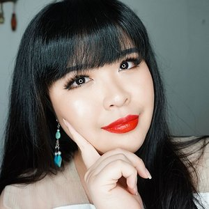 """Yesterday makeup for @lakmemakeup Trend Gala """"Illuminance"""" Face : @clioindonesia Pre-step Egg Pore Primer @lancomeofficial Teint Miracle @missha.official Under Eye Brightener Concealer @kaycollection @bcl_company_official ClearLast Natural Cover Pact Pore Cover Face Powder @aritaum_official All Day Makeup Fixer Cheek : @thebalmid Highlite N' Con Tour palette Eyes : @innisfreeindonesia Eco Wood Eyebrow Pencil @vovmakeupid Color Song Eyes in #7211 @urbandecaycosmetics Naked 2 Palette @creerbeaute_official Sailor Moon Liquid Eyeliner @benefitindonesia Roller Lash Mascara Fake lashes with @kaycollection Koji Eyelashes Fix in Black Lip : @w.lab Velvet Color Stick  Earrings : @esternal.co Kimberlee in Blue . . . . #lakmemakeup #lakmetrendgala #makeup #fotd #beautyblogger #lynebeauty #lynemotd #wonderfullyn #motd #makeupoftheday #fallmakeup #indobeautygram #makeupjunkie #redlips #clozetteid"""