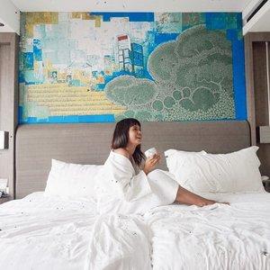 . . 3 minggu bangun tidur , makan , bangun tidur makan , mulai bosen dengan rurinitas ini kangen event kangen kumpul dan berat badan mulai naik .... . . Kalau kalian kangen apa bebs..... . .  #lifestyleblogger #lifestyle #mominfluencer #momlife #beautybloggerindonesia #jakartabeautyblogger #indobeautysquad #beautyblogger #lookoftheday #fashion #love #clozetteid #whatiworetoday #mylook #fashionista #todayimwearing #instastyle #instafashion #outfitpost #fashionpost #todaysoutfit #fashiondiaries #fff #likeforlike #beautybloggerindonesia #WAH #Stayhome #beautybloggers