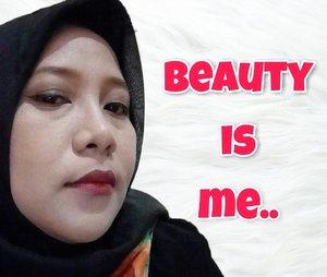 Cantik itu relatif, yang penting jadi diri sendiri nggak berusaha mirip orang lain. Because every woman is beautiful in her own way.  #clozetteid #beauty #beyourself #picsart