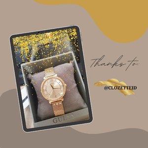 Thanks a lot @clozetteid. Ini hadiah ketiga kalinya alias giveaway sebagai member premium. Dan ini benar-benar hadiah akhir tahun yang spesial, sesuai dengan keinginan. Beneran deh, 2020 ini banyak kejutan luarr biasa. 😍  #clozetteid #lifestyle #surprise #guess #watch