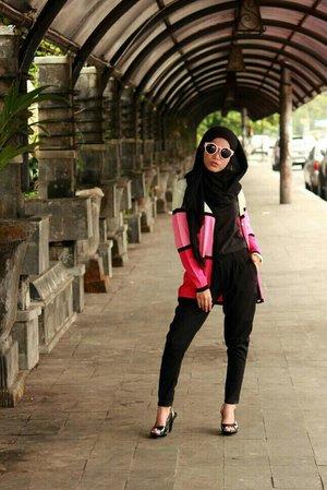 Comfy cardy #clozetteID #COTW #PopOfColor #hijab #hijabootd #hotd
