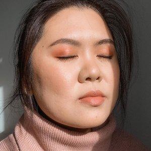 Can we get some more Sun over here please? ☀️ • • • • • #pillowtalk #charlottetilbury #charlottetilburypillowtalk #hamont #clozette #clozetteid #makeup #bbloggers #bbloggersca #bloggersofinstagram #makeupblogger #toronto #jakarta #torontomua #hamontbeauty #asinmakeup