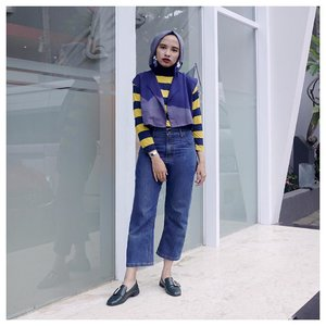Stripes forever ✨...#modestfashion #clozetteid #starclozetter #hijabfashion #lookbookindonesia #chictopia #hijabchic #denimondenim #acolorstory #abmlifeissweet #ggrepstyle