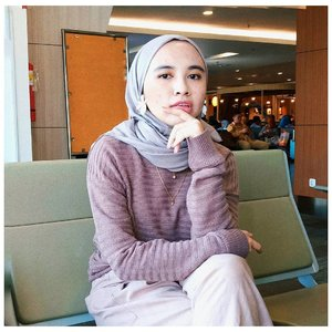 Hijab ademnya @zayanaorganic, dipake aktivitas apapun tetep nyaman. Apalagi outdoor. Aku pake warna coffee. Gampang buat dipadupadan 🌴🍃...#clozetteid #modestfashion #hijablook #casualchic #hijabchic #chictopiastyle #abmstyle #modeststyle
