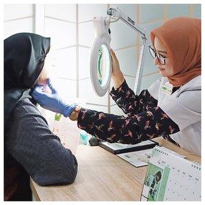 Review ZAP Photo Facial Acne sudah ada di blogku ya. Untuk kamu yg cari referensi treatment acne tanpa sakit, ini bisa jadi pilihan. Apalagi besok libur, bisa banget untuk refresh. Biar kamis masuk kerja lagi wajah lebih cerah💆🏻♀️👌🏻-Say no to harpitnas, say yes to treatment @zapcoid @clozetteid-#Clozetteid #ZapXClozetteidReview #ZAPPhotoFacialAcne #ClosetteidReview #indonesia #metime