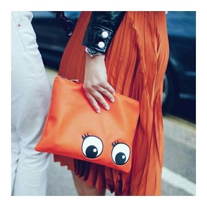 Look at the eyes. Oh, uber cute definitely. Of couse the eyelashes is the best part. Pinterest never fail to surprise me  #ClozetteID #vibrantcolors #clutch #anyahindmarch #abmlifeiscolorful #abmlifeisbeautiful #abeautifulmess #acolorstory #whatwelike #pinterestinspiration