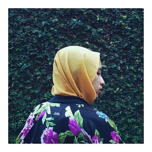 There's no turning back. Keep it up. Color always be with you.#Clozetteid #acolorstory #abmlifeisbeautiful #abmlifeiscolorful #starclozetter #hijabchic #bomberjacket #flowerpower